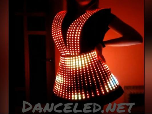 Светодиодное пиксельное платье