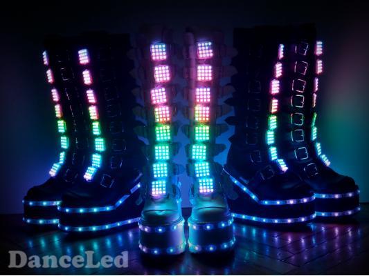 Светодиодные пиксельные сапоги с пряжками
